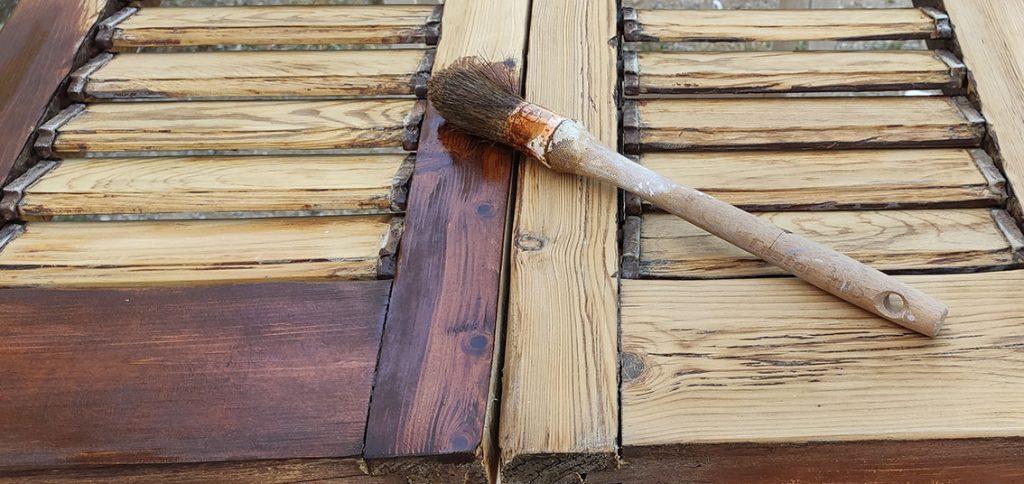 Restauración persianas de librillo con lasura Livos